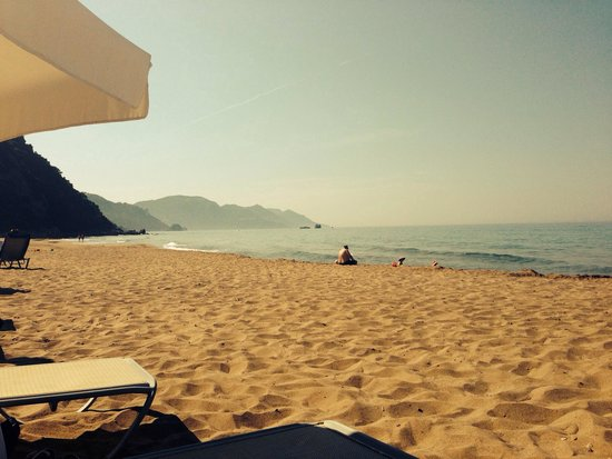 lti Louis Grand Hotel: Summer sun in june 2013- beach is clean and beautiful