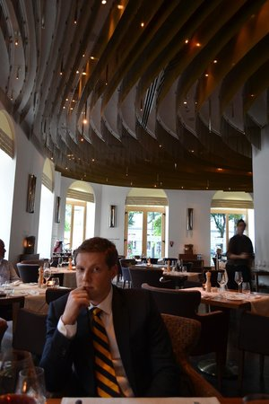 The Ritz-Carlton, Vienna: Delicious meal at the hotel restaurant - get the cheese spaetzel!