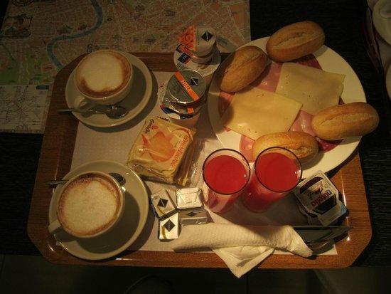 Mocenigo Vatican Suites: Английский завтрак (или итальянский), подают в номер по выбору.