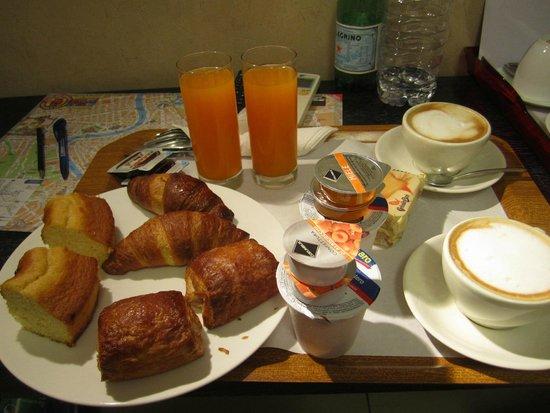 Mocenigo Vatican Suites: Итальянский завтрак.