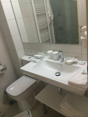 Inter Hotel: bathroom