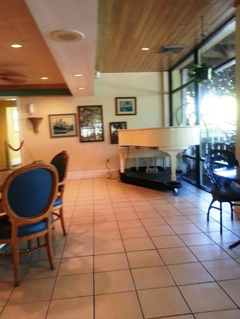 Holiday Inn Key Largo : Another from inside the Cafe