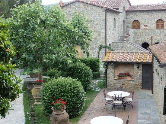 Relais La Corte dei Papi: View from our room