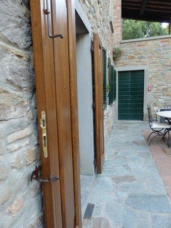 Relais La Corte dei Papi : Front of villa