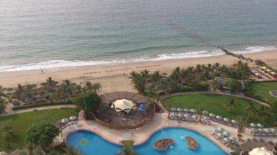 Le Meridien Al Aqah Beach Resort: Birthda message on the beach