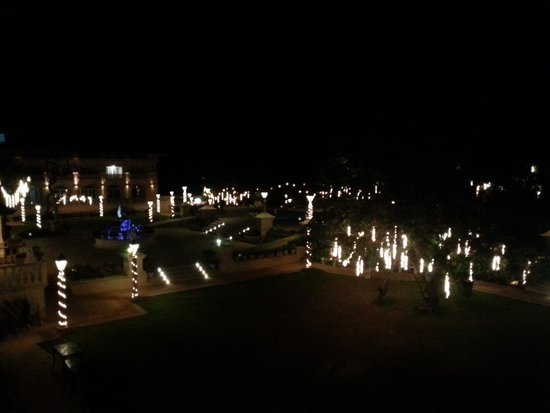 Evershine Keys Prima Resort: Night time view