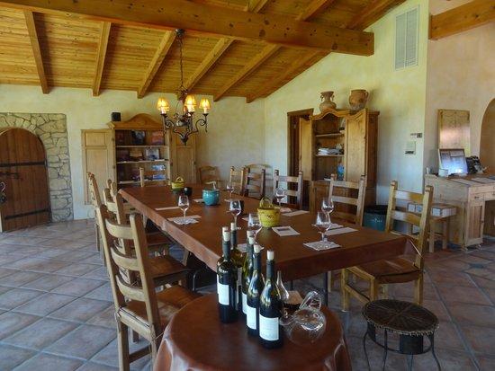 RN Estate Vineyard and Winery: Dining/tasting room