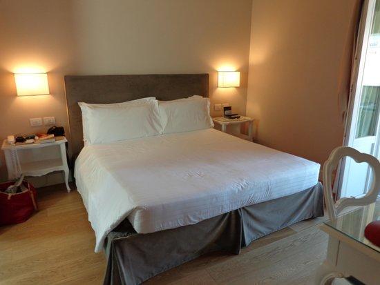 Hotel Rapallo: Ruim bed