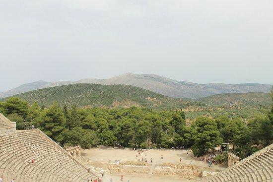 Théâtre d'Épidaure : Vu en haut du théâtre