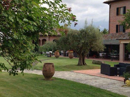 Locanda Poggioleone: The structure