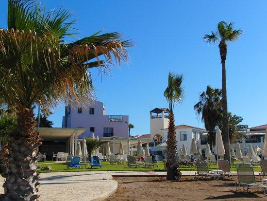 Akti Beach Village Resort : Вид на главный корпус