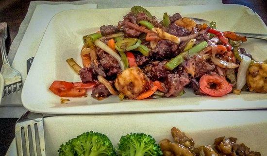 The Little Kitchen Asian Cafe: Steak and Shrimp