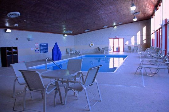 Best Western Plus York Hotel & Conference Center: Swimming Pool
