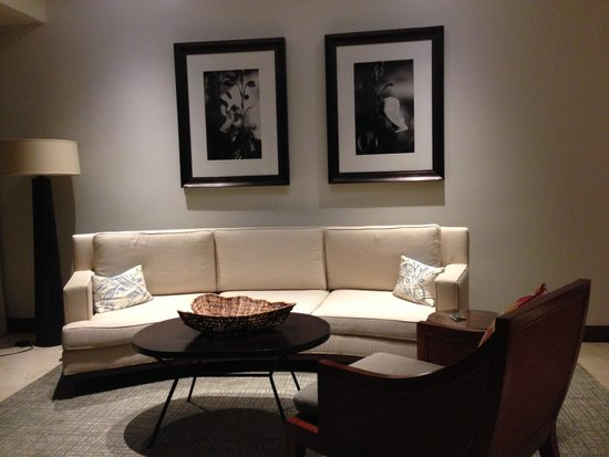 Real InterContinental Costa Rica at Multiplaza Mall: Sitting area