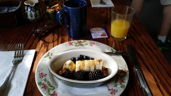 The Waitsfield Inn: Course 1 Homemade Granola, banana, and berries.