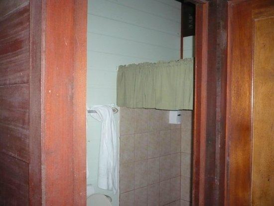 Pachira Lodge: BAÑO