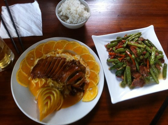 Secret Garden Boutique Hotel: Orange duck and green beans with bacon