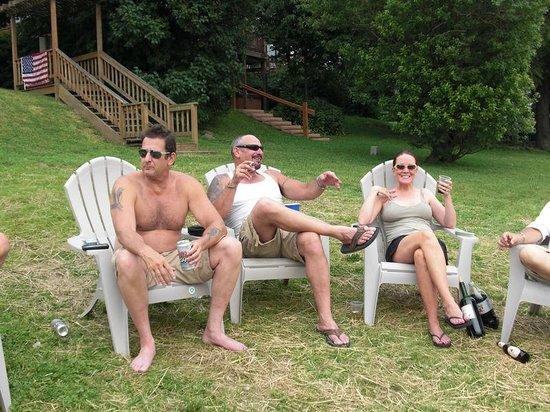 LakeStar Lodge: Lawn...
