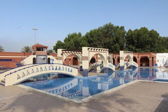 Hotel Club Al Moggar: Главный большой бассейн - место дневной анимации