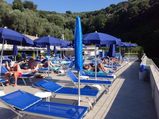 BEST WESTERN Hotel La Solara: Sun deck overlooking ocean