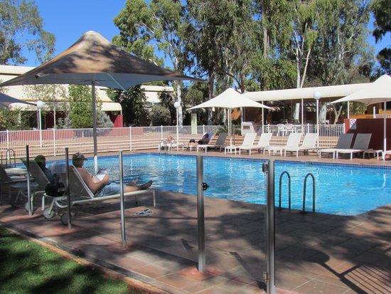 Desert Gardens Hotel, Ayers Rock Resort: piscina