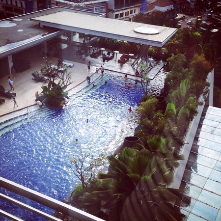 Hilton Bandung: Pool view from 10th floor