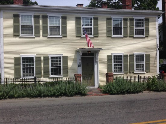 Eben House: Fairbanks Inn