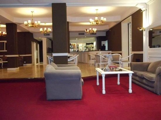 Rochester Classic Hotel: Sala de estar