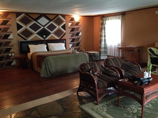 Mountain Gorilla View Lodge: Inside of our room