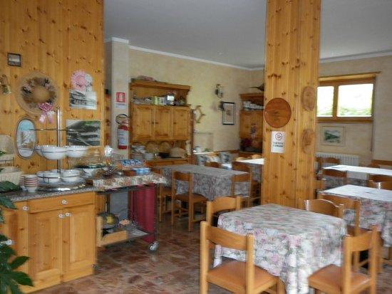Hotel Zebru': sala colazione