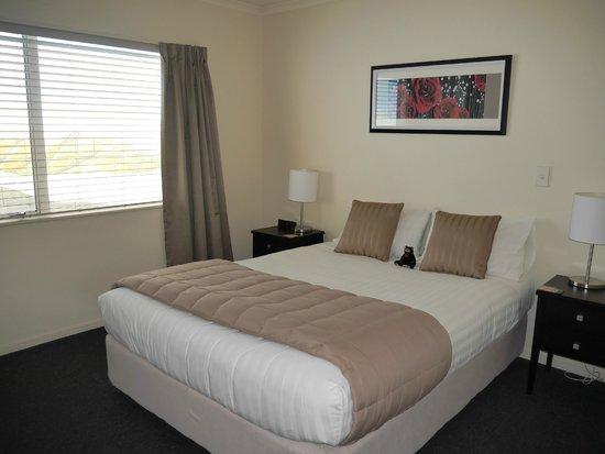 Havelock North Motor Lodge: Separate bedroom in suite at Havelock North