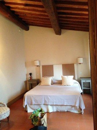 Castello Vicchiomaggio: bedroom