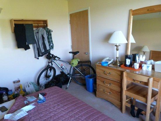 Cabot Trail Motel: My bike slept next to me :)