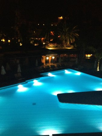 Es Saadi Marrakech Resort - Hotel : The pool is gorgeous by day and by night