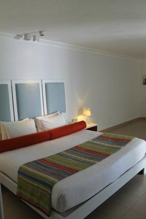 Ambre Resort & Spa: habitacion