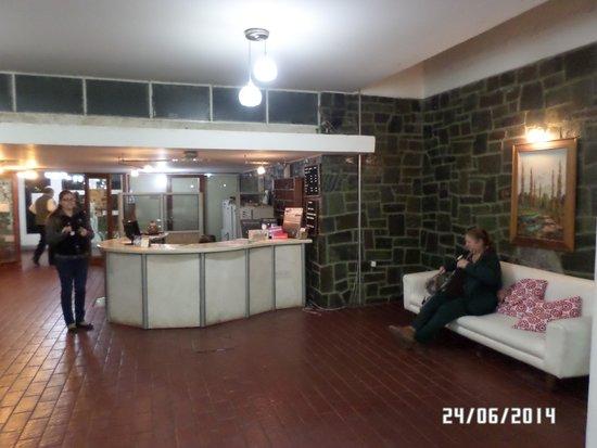 Hotel Termas Pismanta & Spa: La conserjeria.