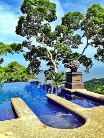 Villa Caletas : Our wonderful pool with spectacular views!