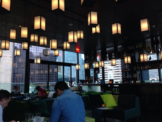 citizenM New York Times Square: Bar al 21esimo piano