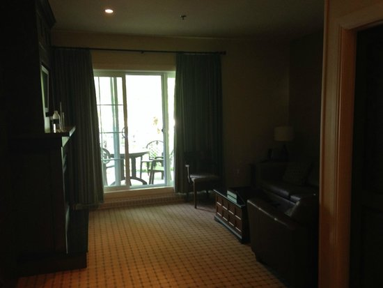 Chateau Beauvallon Mont Tremblant : Great location