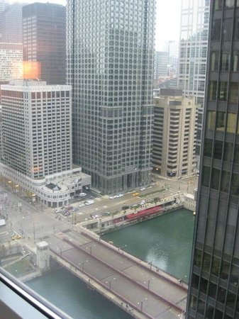 Trump International Hotel & Tower Chicago: River view room