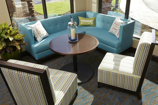 Hilton Garden Inn Los Angeles/Redondo Beach: Equipped with amenities for work and relaxation including complimentary WiFi.