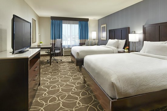 Hilton Garden Inn Los Angeles/Redondo Beach: Perfect for a family, all of our great amenities with two queen sized beds and a spacious room.
