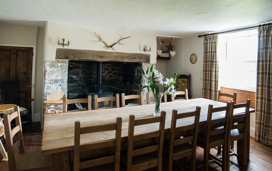 Court Farm Holidays: lovely period interiors