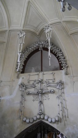 Personal Prague Guide -Day Tours: Bone Church in Kutná Hora