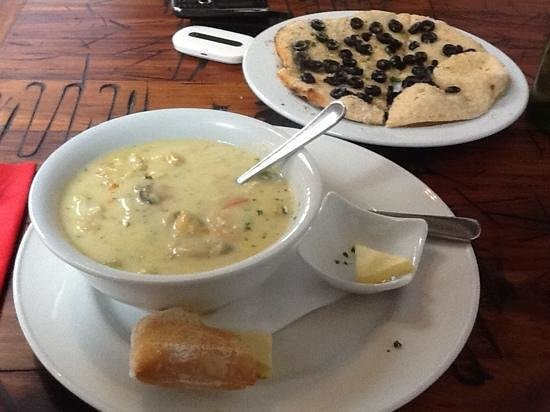 Landing Restaurant: 10/10 for the Seafood Chowder