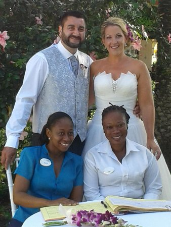 Sandals Grande Antigua Resort & Spa : Just afer Ceremony with Marcia!