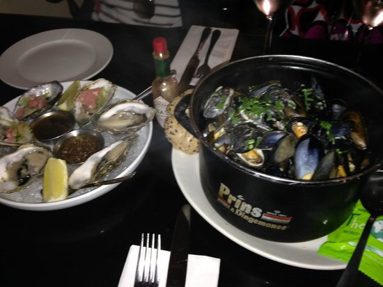 Mourne Seafood Bar: massive pot of mussels - £11