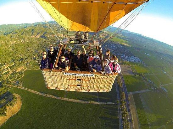 Napa Valley Balloons, Inc. : In flight over Napa
