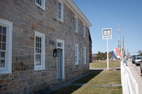 Dill's Tavern and Plantation: Dill's Tavern