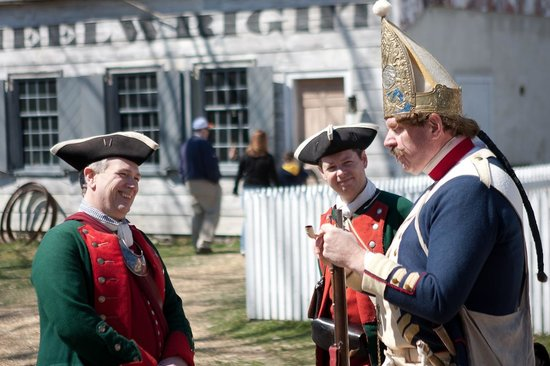Dill's Tavern and Plantation: Reenactors chat in front of the Wheelwright Shop